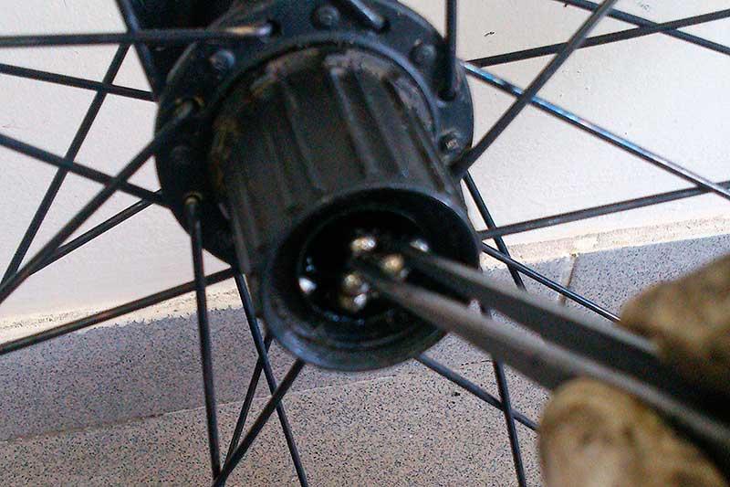 Замена подшипника заднего колеса велосипеда