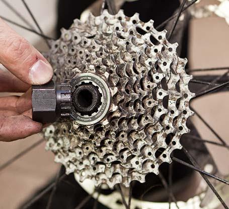 Как снять кассету велосипеда, как снять кассету с заднего колеса без съемника