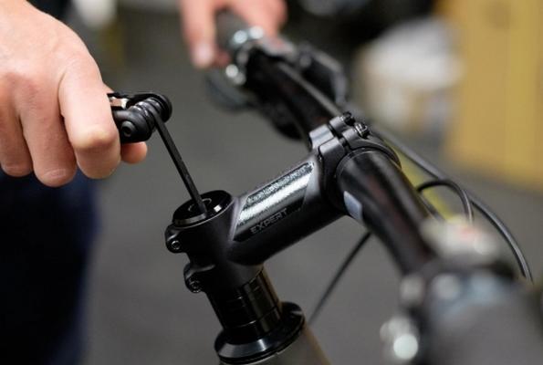 Как поднять руль на горном велосипеде: регулировка высоты, седла, угол наклона и вынос, видео