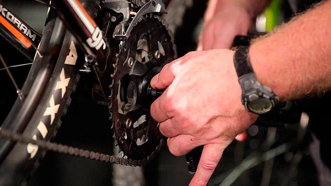 С каким усилием затягивать шатуны на велосипеде?