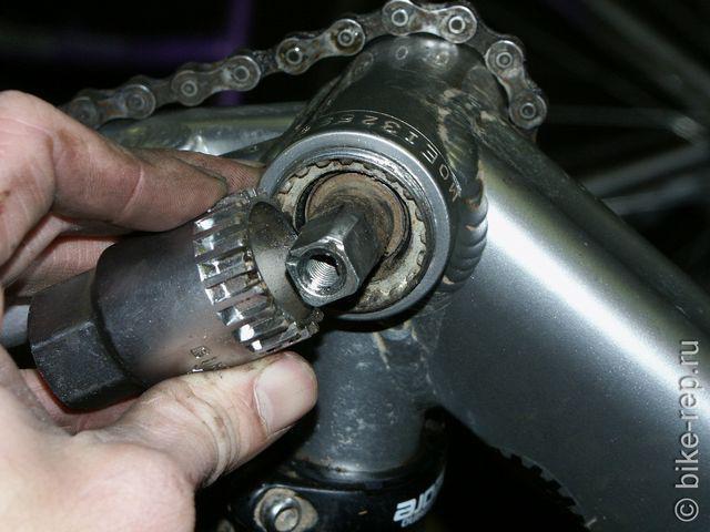 Как разобрать каретку велосипеда горного типа
