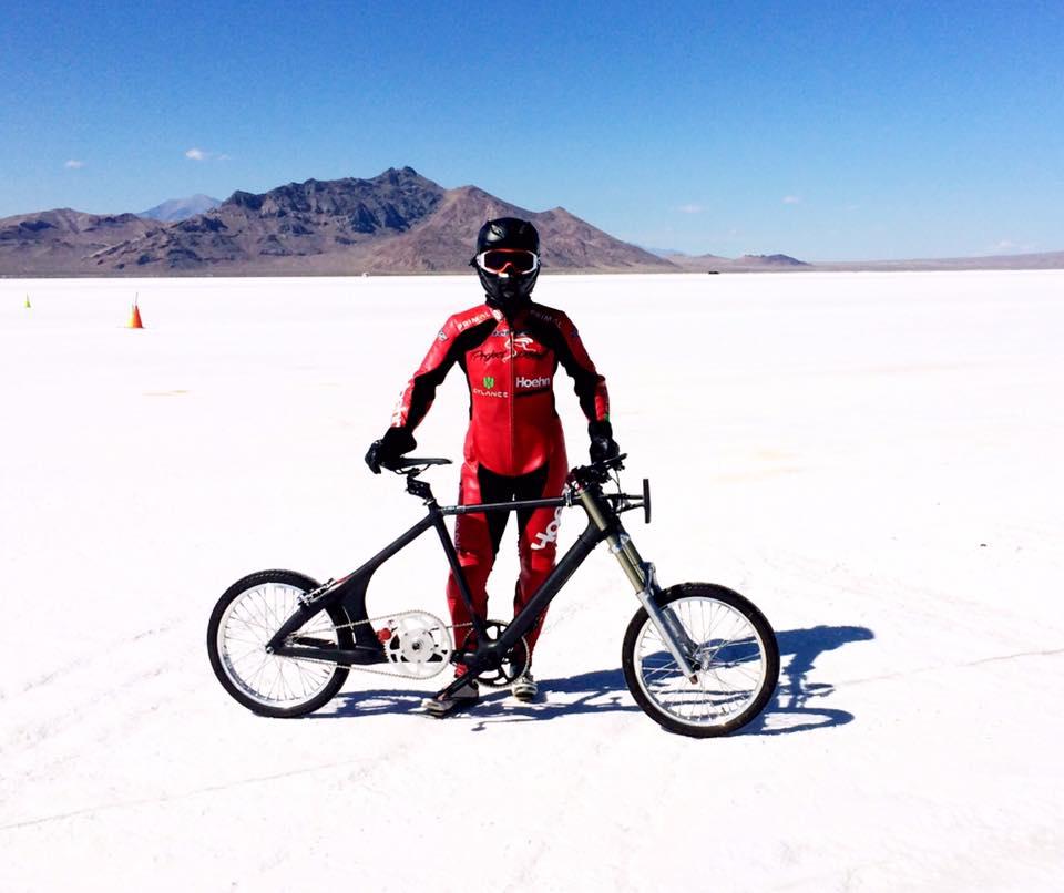 Какую максимальную скорость можно развить на велосипеде: мировой рекорд, как правильно набрать и остаться в седле