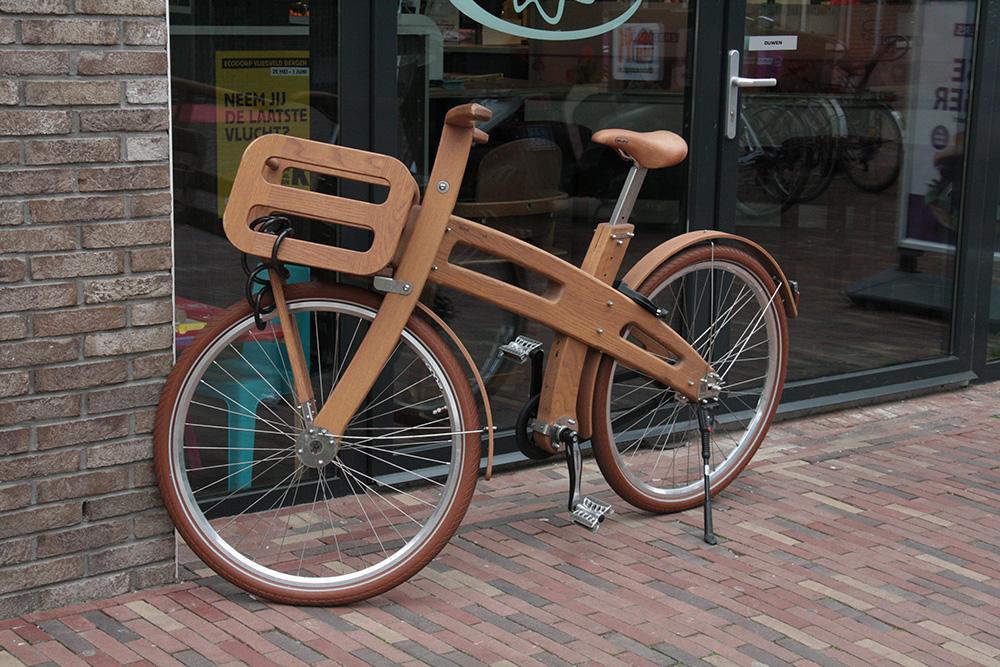 Детский велосипед из дерева