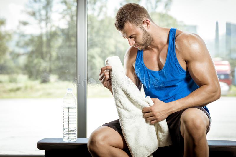 Как тренироваться, если после работы уже ни на что не остается сил