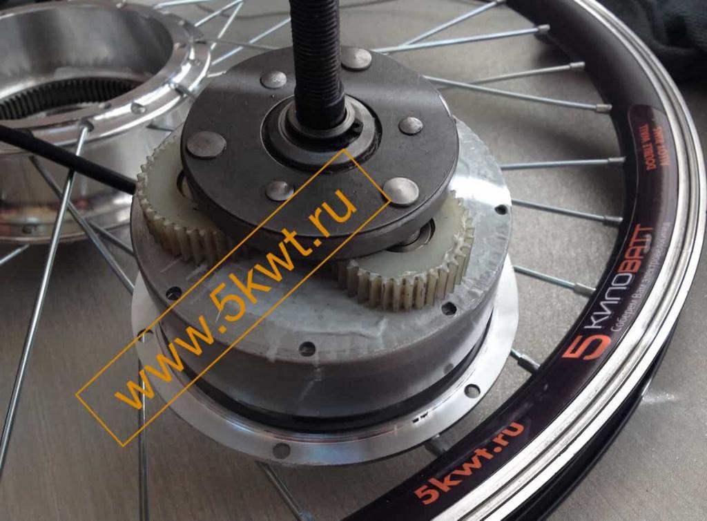 Что такое мотор-колесо для велосипеда и как его выбрать - всё о велоспорте