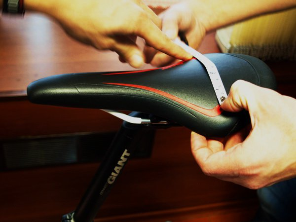 Почему болит попа и копчик после велосипеда