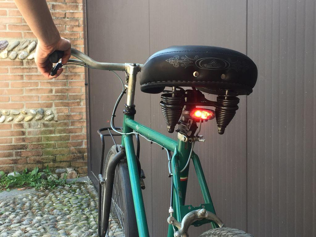 Как установить на велосипед стоп сигнал