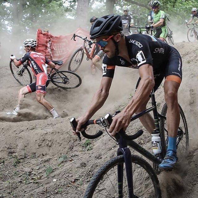 Лицом в грязь: чем велокросс отличается от других вело-дисциплин