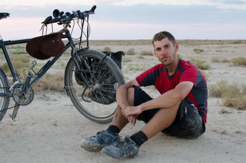 2 случая, когда обычные люди преодолели огромное расстояние на велосипеде