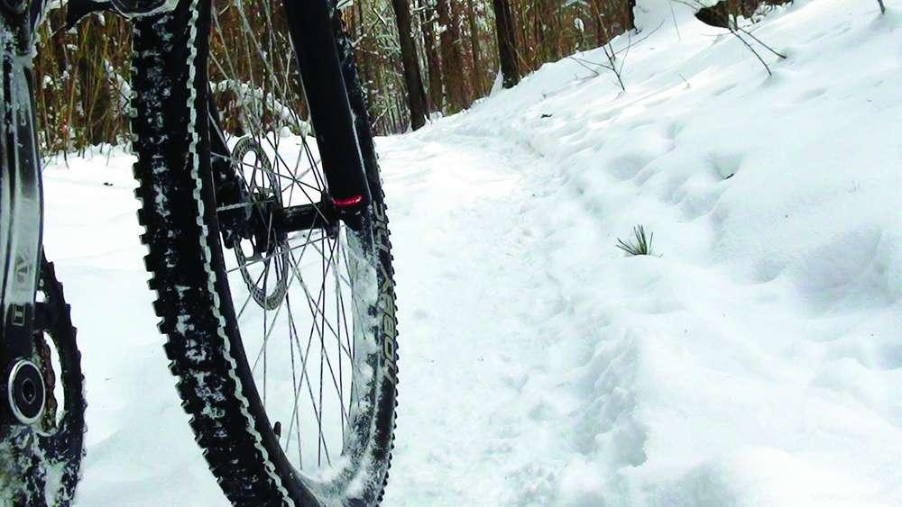 Как ездить на велосипеде зимой: правила и рекомендации по передвижению и выбору экипировки