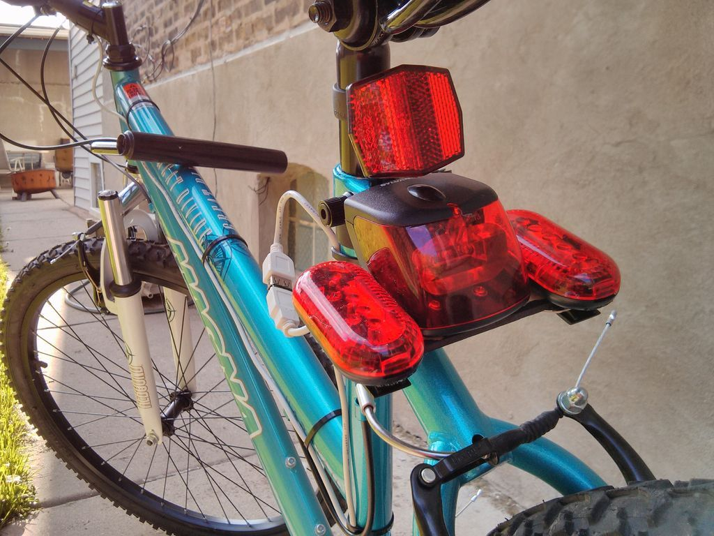 Беспроводной велокомпьютер против проводного. какой выбрать