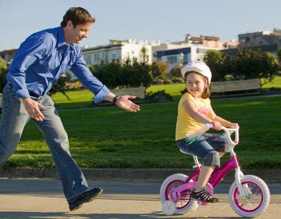 Как научить ребенка кататься на велосипеде правильно: советы, отзывы мам