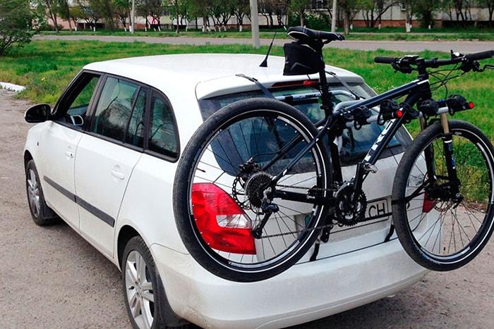 Велосипедный багажник Thule для машины