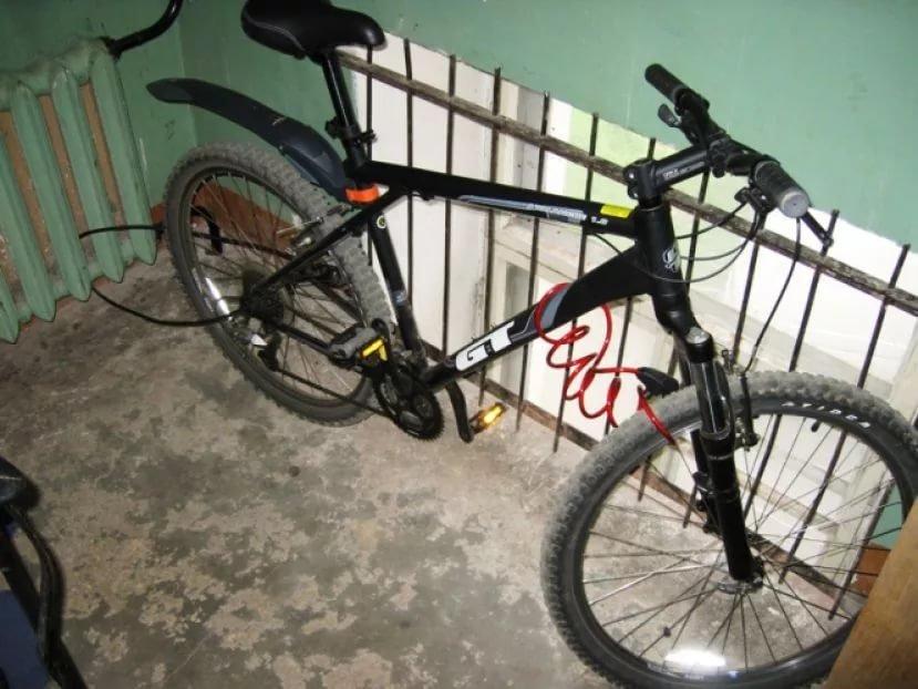 Украли велосипед (18 фото): что делать после кражи велосипеда из подъезда? как найти ворованный велосипед после угона со стоянки?