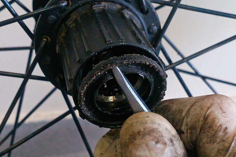 Обслуживание втулки, общее устройство колеса для велосипеда