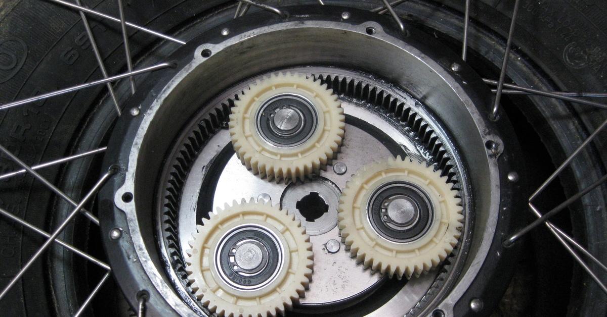 Что лучше выбрать – мотор-колесо или центральный мотор