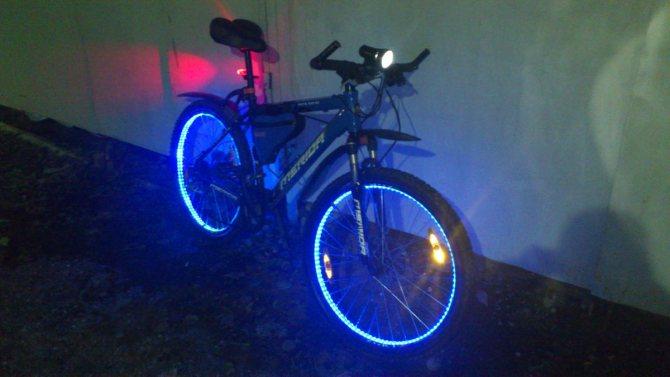 Подсветка для велосипеда: как прикрепить светодиодную ленту на колесо и раму своими руками