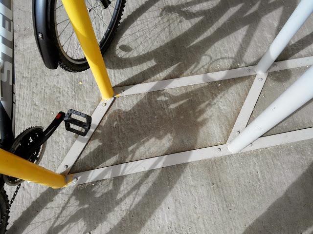 Что такое велопарковка, для чего нужна, как сделать велосипедную парковку своими руками, разновидности.