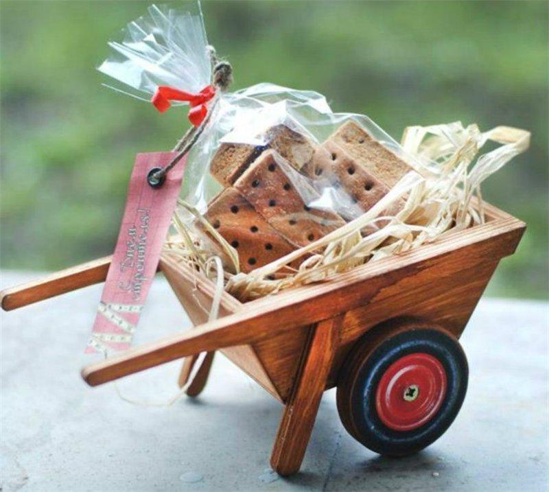 Подарки на день автомобилиста: практичные и оригинальные
