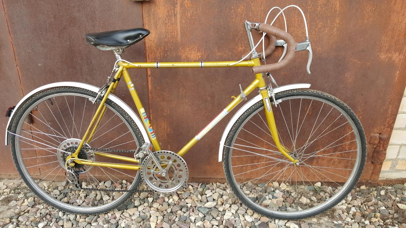 Спортивно-шоссейный велосипед старт