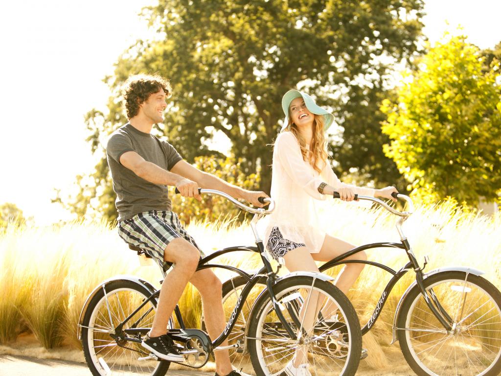 Почему прогулки на велосипедах пару раз в неделю просто необходимы для семей с детьми