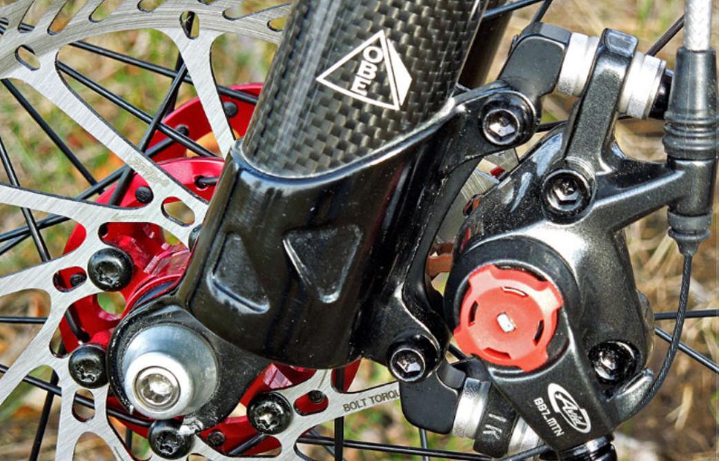 Как обслуживать гидравлические тормоза на велосипеде: прокачка прямая и обратная