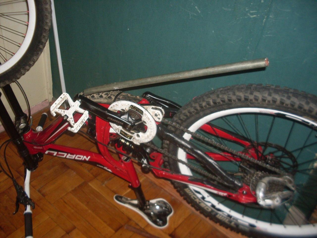Прокручиваются педали на велосипеде: причины и способы их устранения