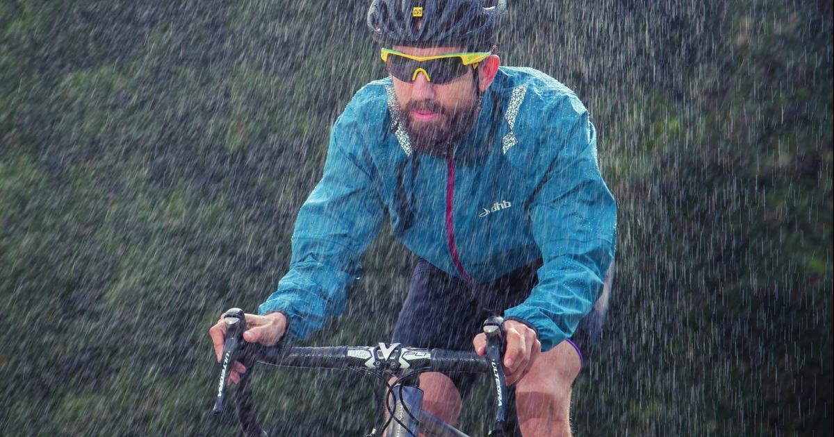 Как кататься на велосипеде в дождь: 8 советов новичкам