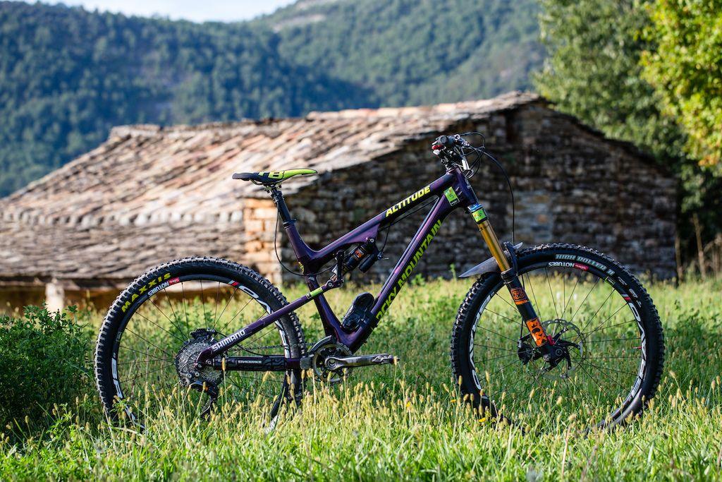 Как правильно выбрать велосипед для даунхилла?