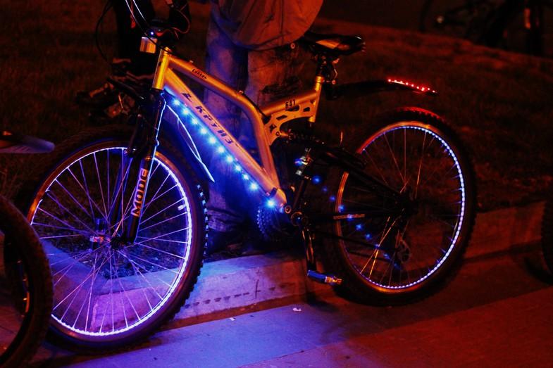 Как сделать неоновую подсветку автомобиля