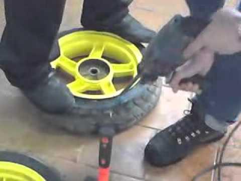 Как снять шину с велосипедного колеса