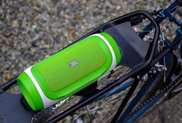 Как выбрать колонки для велосипеда: портативные, наушники