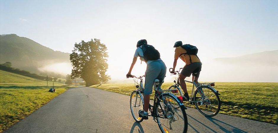 Польза, вред и правила езды на велосипеде для взрослых и детей