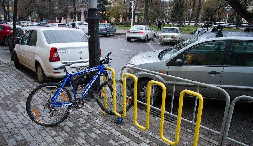 Практичная и недорогая парковка для велосипедов своими руками