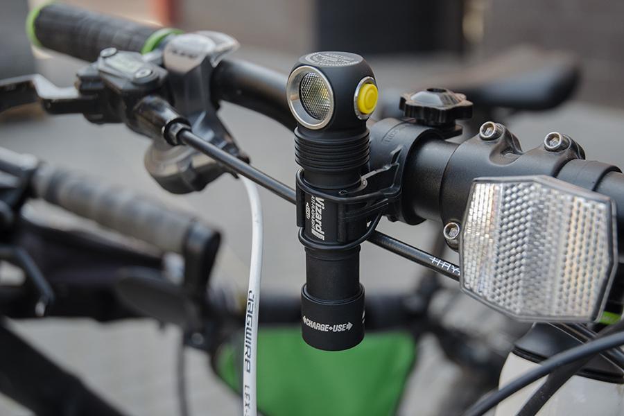 Как правильно выбрать велофару?