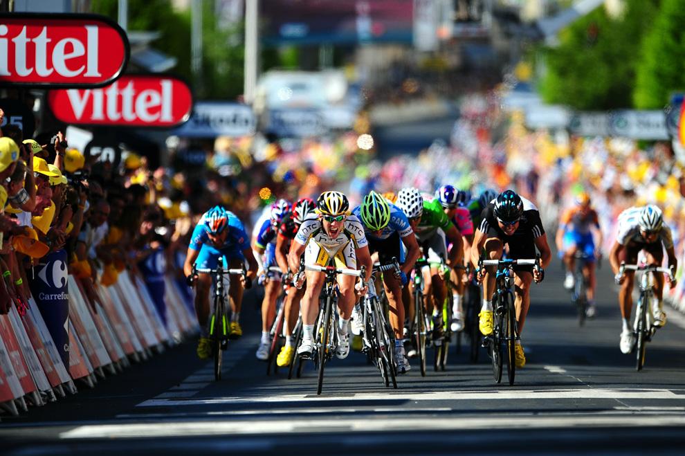 Триумф 22-летнего колумбийца берналя и 51-е место закарина: чем завершилась 106-я велогонка «тур де франс»