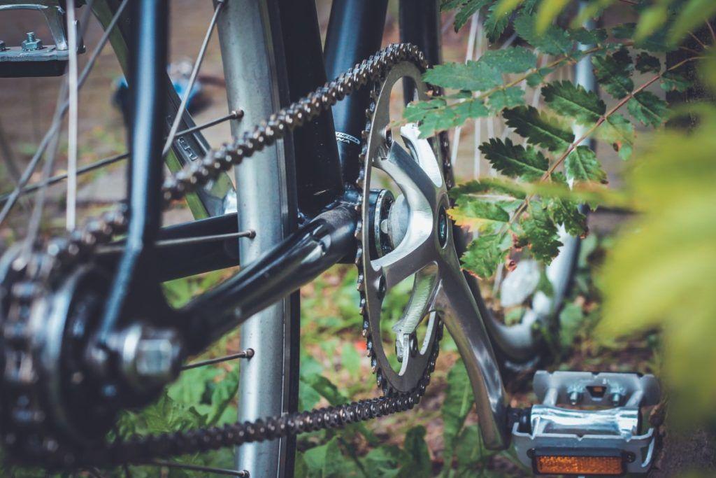 Как правильно удалить лишние звенья на цепи велосипеда и натянуть ее