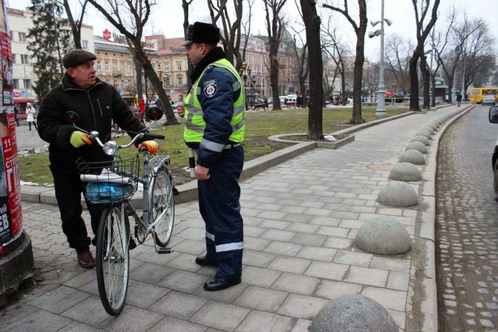 Ну, самокат, погоди! пдд изменят, а скейтерам и велосипедистам выпишут штрафы за превышение скорости