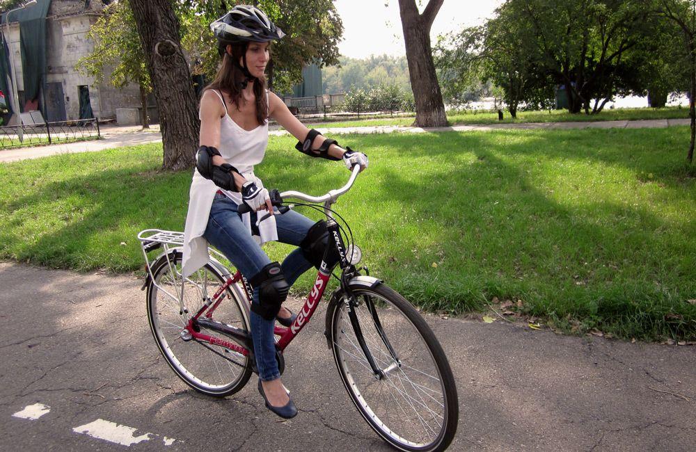 Как правильно ездить на велосипеде по дороге, в городе (техника езды)