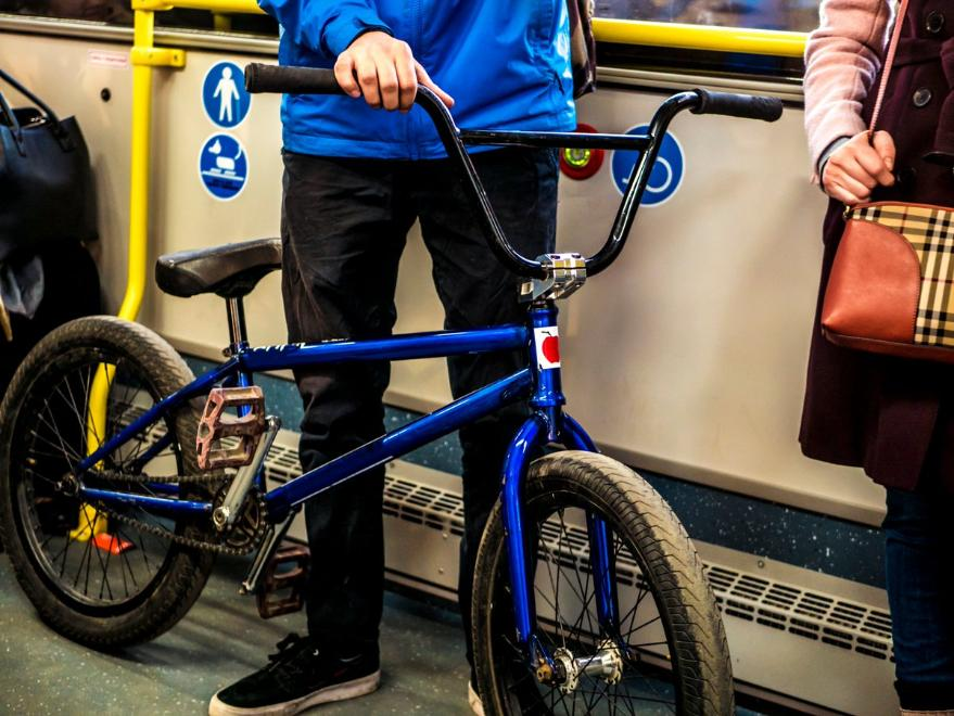 Как перевозить велосипед на машине (автомобиле)