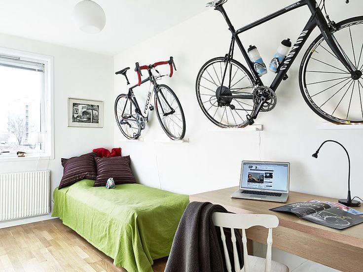 Как и где хранить велосипед зимой - дома, на балконе в подьезде, гараже, советы по сезонному хранению