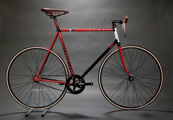 Русский фикс-велосипед bearbike