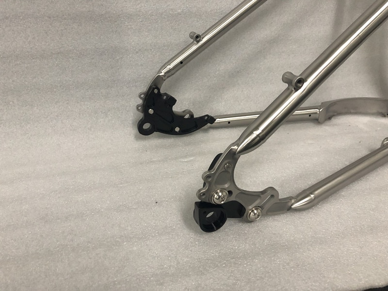 Титановый велосипед с рамой рапид