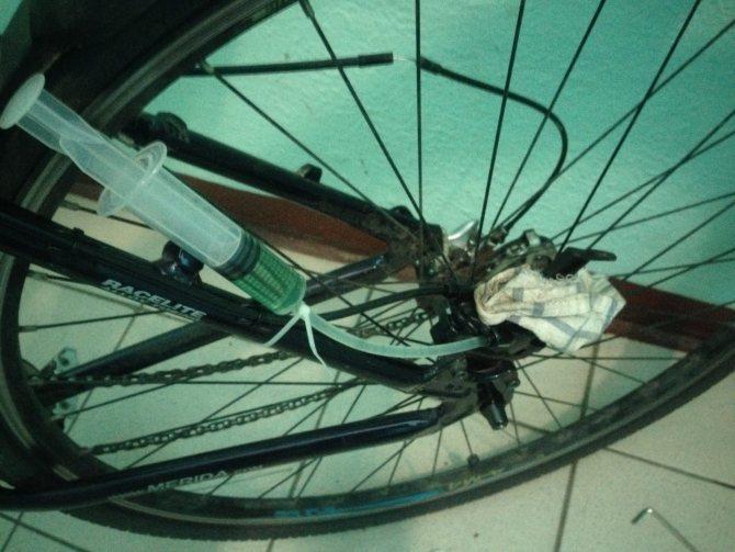 Прокачка и обслуживание гидравлических тормозов велосипеда