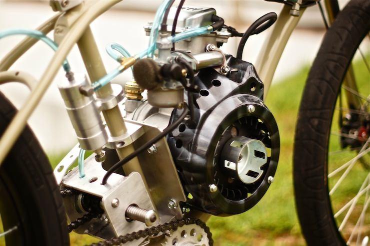 Велосипед с бензиновым мотором: двух- и трехколесные модели с двигателем f-50 и f-80, обзор велосипедов forester