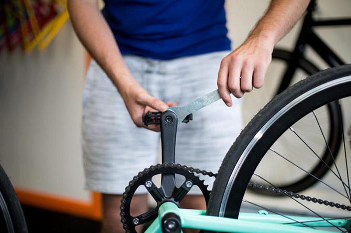 Как снять педали с велосипеда?