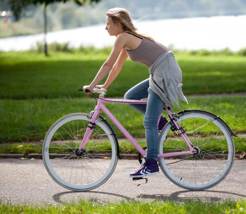 Как накачать попу на велосипеде и велотренажере
