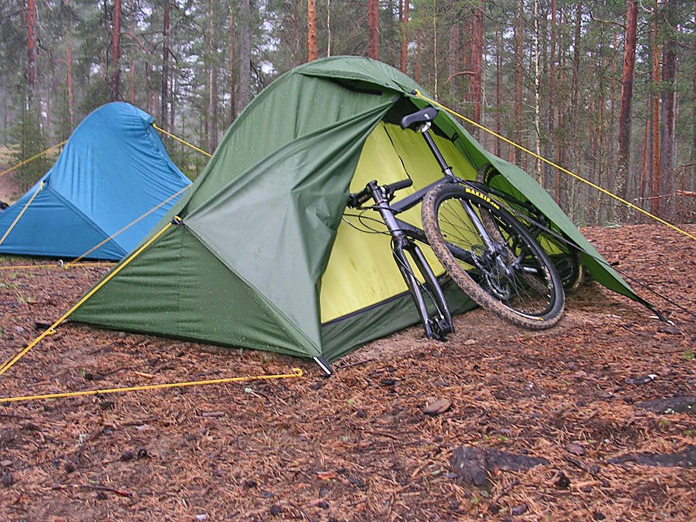 Как правильно выбрать туристическую палатку