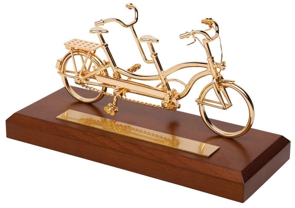 Топ 91 идея что подарить мотоциклисту и что лучше не дарить