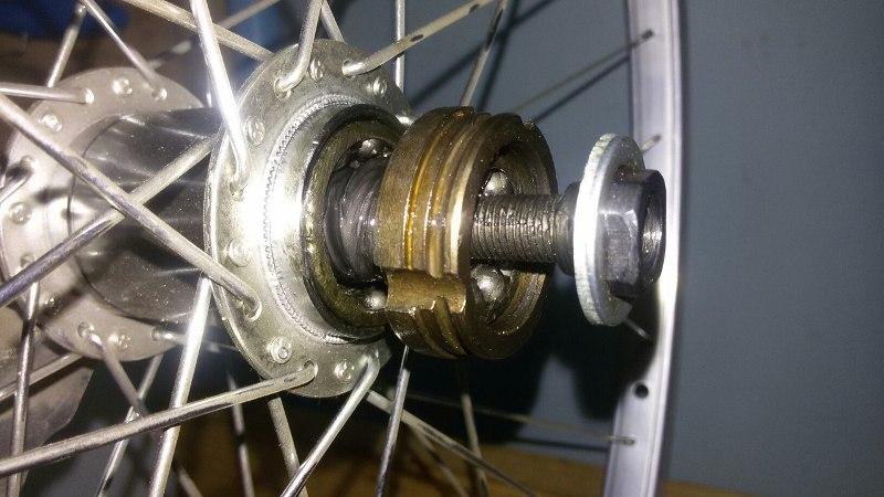 Почему не крутится заднее колесо на велосипеде